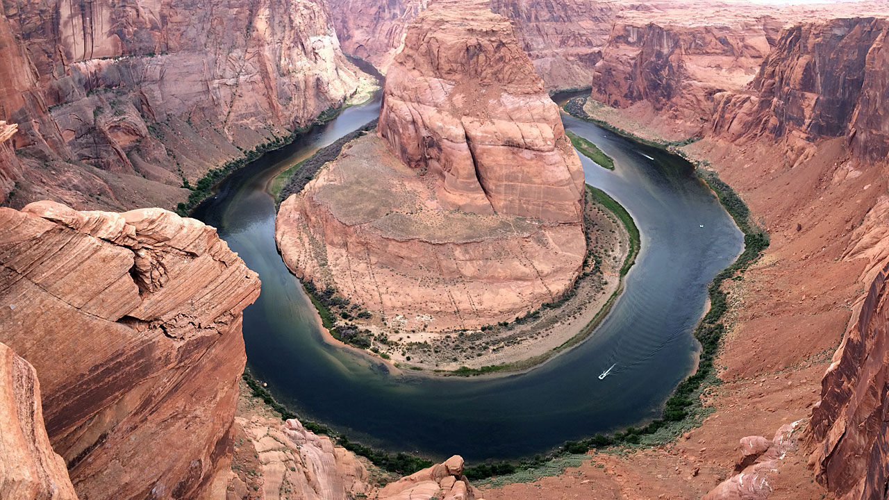 The famous Horseshoe Bend typifies the sort of crazy beauty found in Arizona