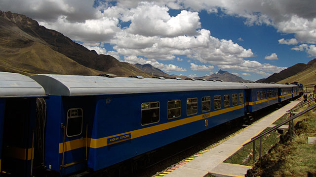 The train from Cusco to Puno