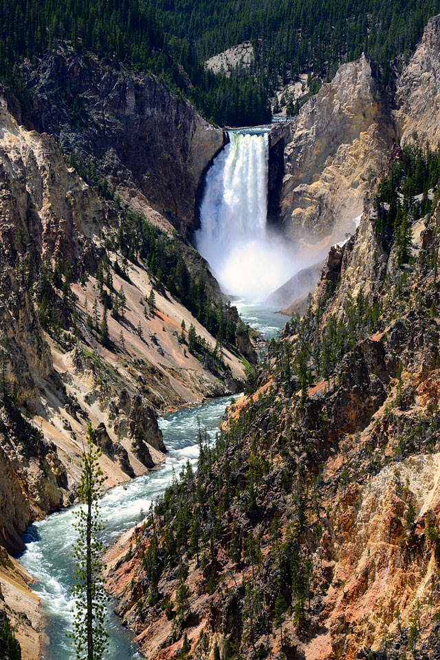 The beautiful Grand Canyon of the Yellowstone